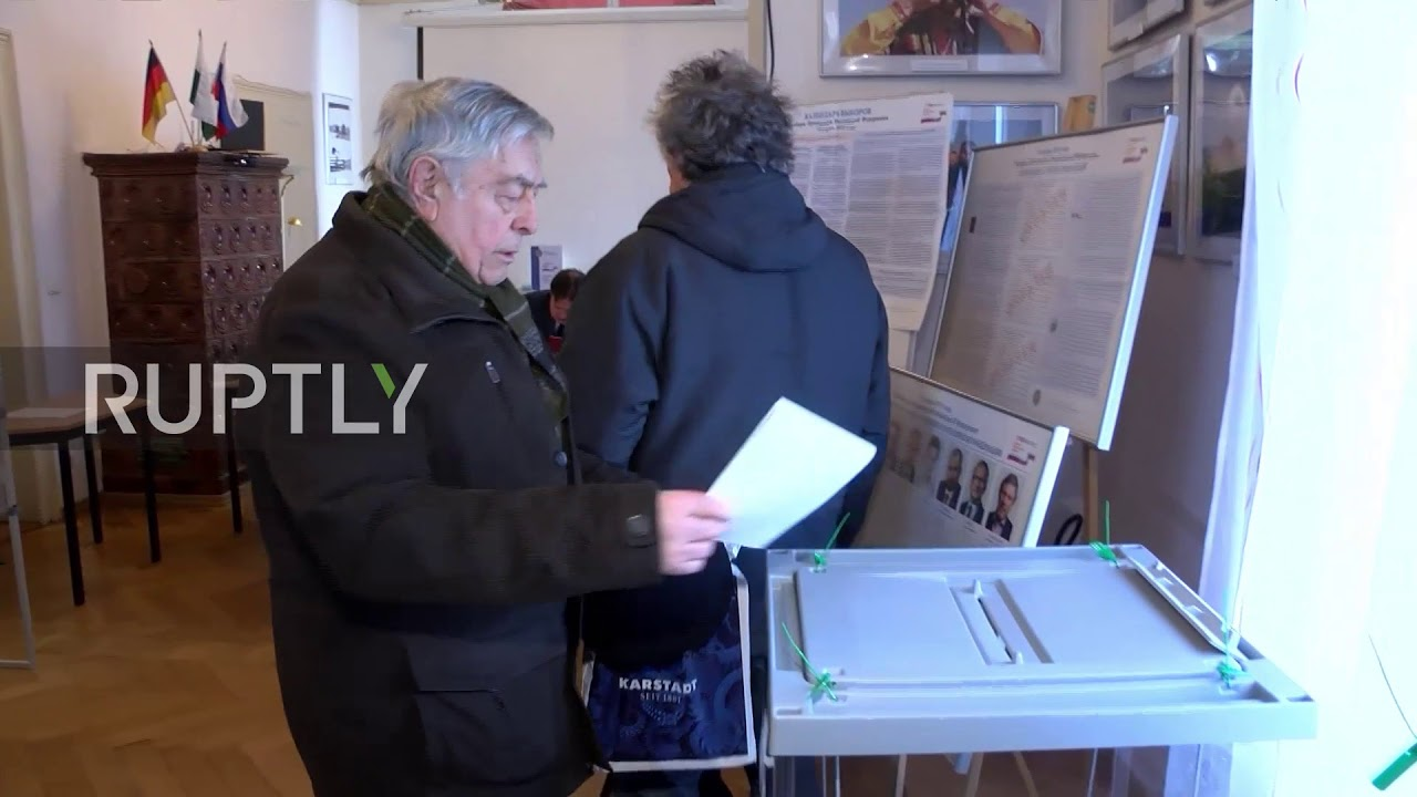 Germany: Russian nationals cast ballots in early presidential voting in Dresden