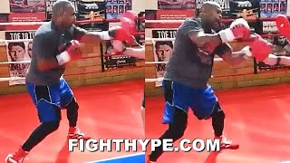 ROY JONES JR. SHOWS MIKE TYSON MACHINE GUN HEAT IN NEW LEAK; RAPID-FIRE SHARPSHOOTING IN STORE