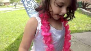 talia singing Arabic & Spanish alphabets