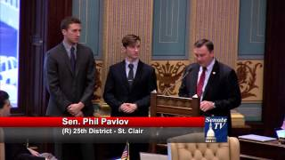 Sen. Pavlov recognizes interns on Senate floor