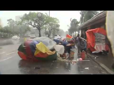 Typhoon Rammasun: At Least Ten Killed and 370,000 Evacuated in Philippines