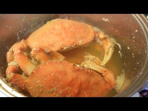 Vietnam street food - Alive crab cooking for 4 people dinner meal - Street food in Vietnam 2016