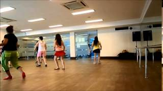 The pata pata groovy Line Dance