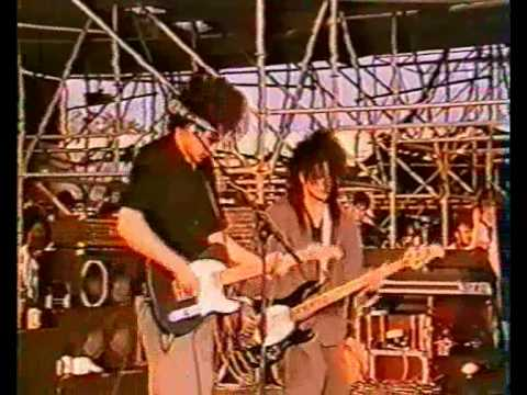 The Cure - A Forest (Live 1986)