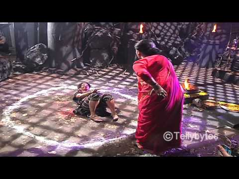 Shivanya saves Sesha from Guru Maa's trap in Naagin