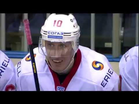 100-е очко Бодрова в КХЛ набрано в красивом стиле / Evgeny Bodrov sick SH goal