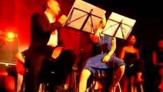Roisin Murphy & Tony Christie - Scarlet Ribbons
