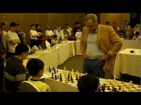 Kasparov's Simul (Serangoon Gardens Country Club, Singapore, 2010)