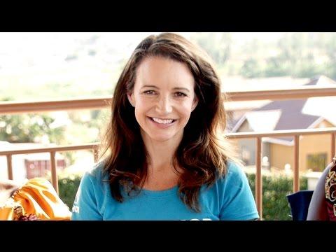 Kristin Davis 'help us find the next hero'