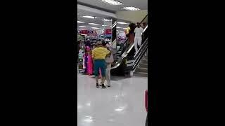 La abuela bailadora en centro comercial que es tendencia en Barranquilla