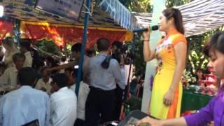 Đám cưới trên đường quê- minh nguyệt