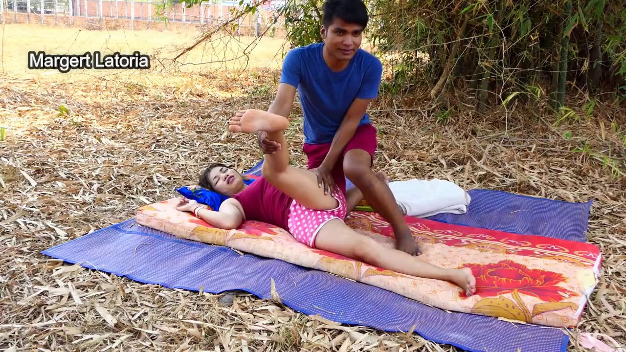 Khmer Traditional Massage   To relieving foot leg arm and body stress