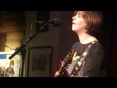 Eleanor McEvoy  The way you wear your troubles  Alstonefield 13 May 2017