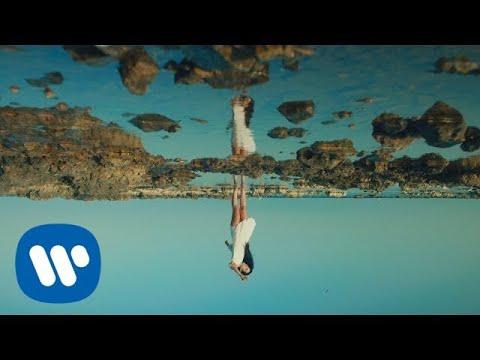 Levante - Lo stretto necessario (con Carmen Consoli) (Official Video)