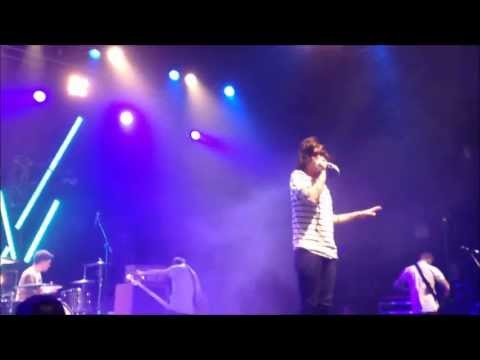 Sleeping With Sirens - Alone feat. Machine Gun Kelly (MGK) (NEW SONG) @ London HMV FORUM 16.05.2013
