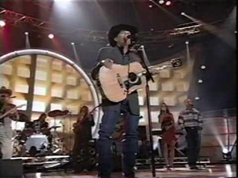 George Strait - Desperately (LIVE)
