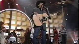 George Strait - Desperately (LIVE)