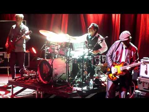 "Joe Jackson "" See No Evil "" ( Television cover ) Paris Olympia 18022016 Fast Forward Tour 2016"