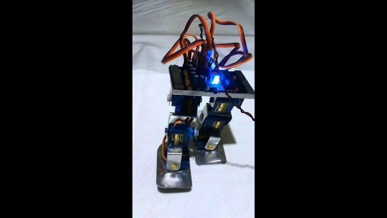 Demo de robot bipedo servos youtube