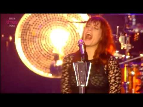 Florence + The Machine - No Light, No Light (Live Reading Festival 2012)