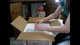 Getting Goldfish in the Mail - Unboxing!