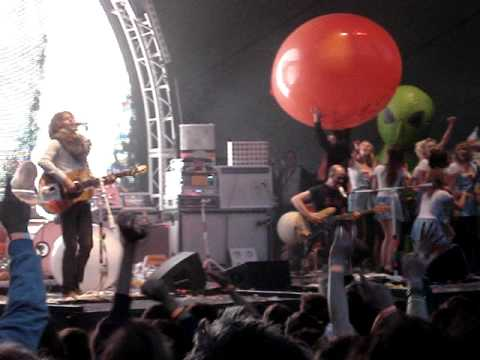 The Flaming Lips - The Yeah Yeah Yeah Song (Eden Project)