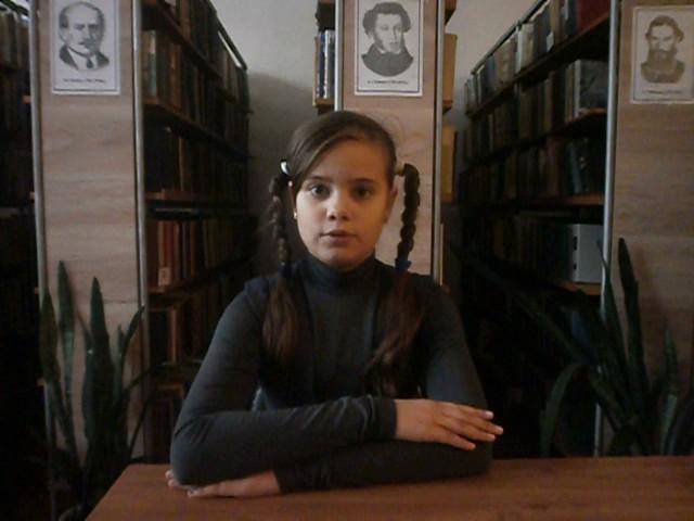Изображение предпросмотра прочтения – ЛилияНазарова читает произведение «Лебедь, Рак и Щука» И.А.Крылова