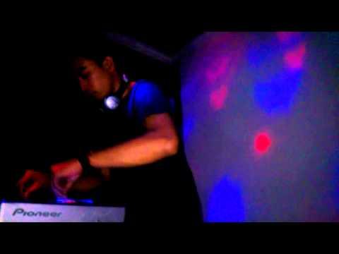 DJ DIO MARTIEN @LATANSA BAR & KARAOKE PACITAN