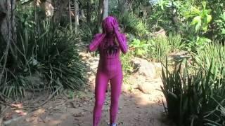 Беременная Эльза и Розовая Девушка паук! Супергерои в реальной жизни, веселые видео