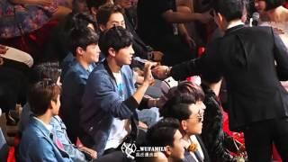 Download lagu 160409 - Funny reaction to Gear VR (Chanyeol, Kai, Sehun)