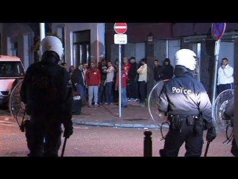 Belgique : échauffourées après l'arrestation d'une femme refusant de retirer son voile islamiquede YouTube · Durée:  43 secondes