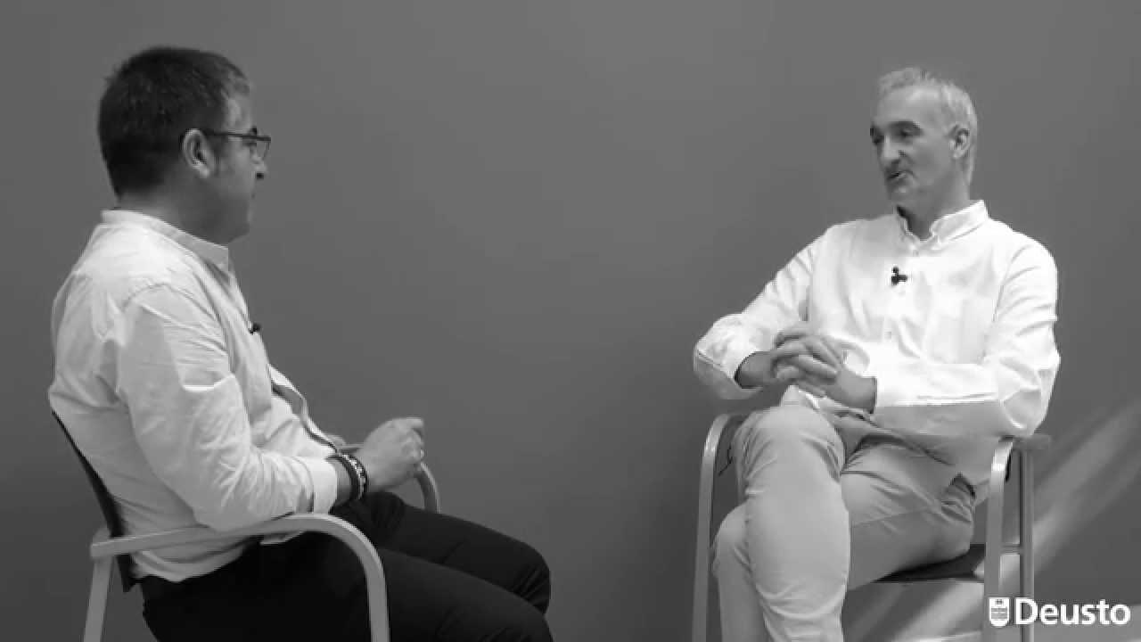 Rogelio Fernández Ortea habla con Xabier Barandiaran Entrevista sobre Innovación social, Capital Scial, Gobernanza y Liderazgo de servicio