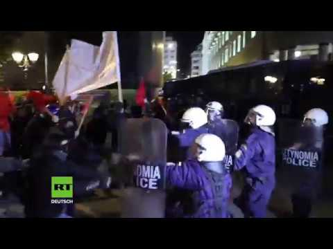 Polizei setzt Tränengas ein – Hunderte Linke protestieren gegen Merkel-Besuch in Athen