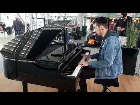 DESPACITO Piano Gare Lille Europe