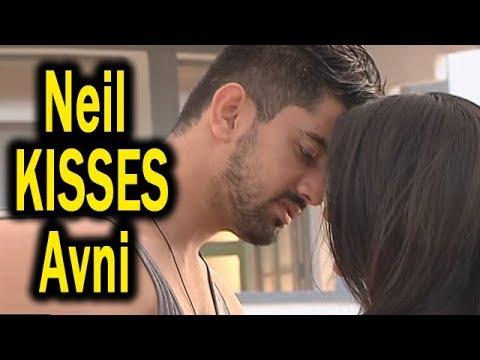 Download Naamkarann | Neil KISSES Avni | Neil Apologises Avni | Romantic Moments