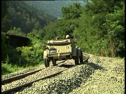 VW Kübelwagen Typ 82 auf Schiene