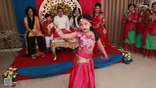 Cute Girls Dance : wedding Art