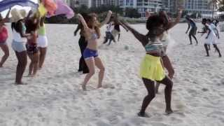 Download Video OMI - Cheerleader (Felix Jaehn Remix) [Official Video BTS] MP3 3GP MP4