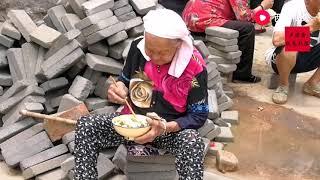 94岁老太太走这么快让58岁的女儿都赶不上,她们这是去干啥? 【盧保貴視覺影像】