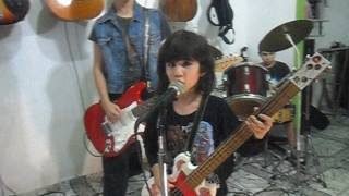 I Wanna Be Well (The Ramones) - Performance: Os Desconhecidos