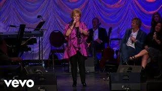 Jeff & Sheri Easter - Praise His Name (Live)