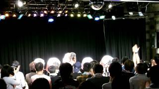 2014年4月29日、ことにパトスで開催されたミルクスの『ミルクスフリーライブ「トレンディバブル魅流駆好〜ランバダまだか?〜」』です。 7曲目終わりのMC.