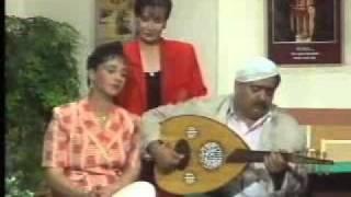 سمعة موسى حجازين عزف على العود - مسرحية هاي مواطن