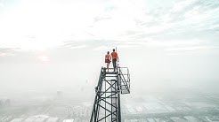 Russian couple climb the highest construction site in the world