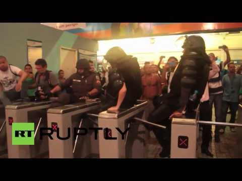 Brazil: Violence erupts in Rio over 12 cent fare hike