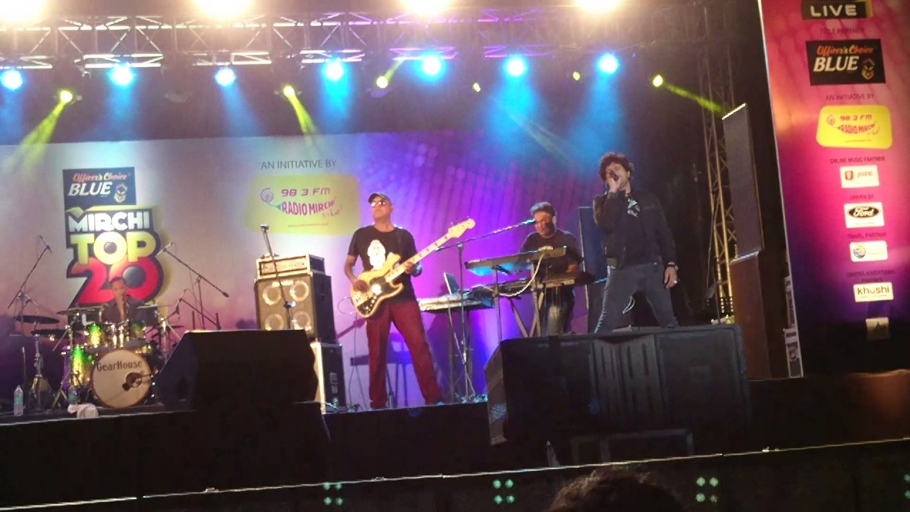 Tujhe Sochta Hoon, singer KK live at Mirchi Top 20 Concert, MMRDA Grounds, Mumbai, 11 Feb 2017