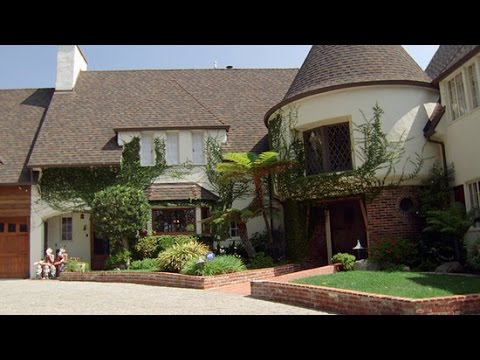 walt disney s house tour open for the first time youtube rh youtube com walt disney home video walt disney home entertainment logo