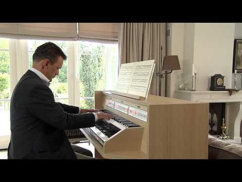 'Präludium in F' on the new Johannus Studio 150, played by André van Vliet