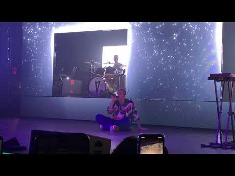Lauv - Sad Forever (live At Terminal 5 NY 10/11/2019)
