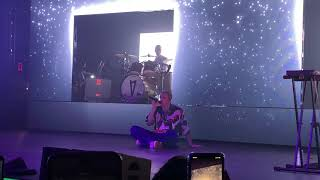 Cover images Lauv - Sad Forever (live at Terminal 5 NY 10/11/2019)